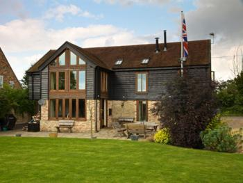 Grove Barn Guest Accommodation - The Barn