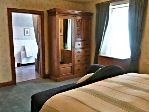 Room 1 Double/Twin en-suite