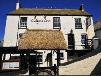 Cadgwith Cove Inn -