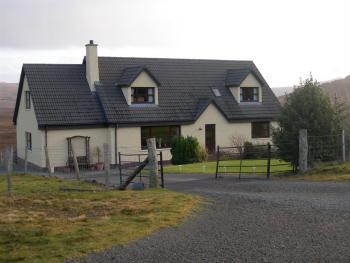 Cul Na Creagan - Outside view of B&B