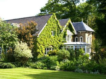 Apple Tree Bed and Breakfast - The attractive exterior of The Dairy Farm