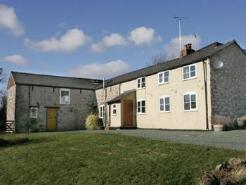 Carreg-Y-Big Farm - External view
