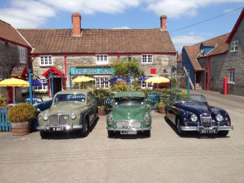 The Red Lion West Pennard - Car Club