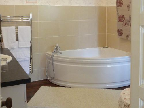 EnSuite Room with Jacuzzi Spa Bath