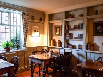 The Pykkerell Inn - Beautiful dining rooms