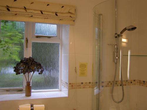 Superior bathroom Tithe Barn b&b cottesmore, rutland
