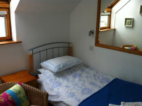 Room 9 - Single en-suite