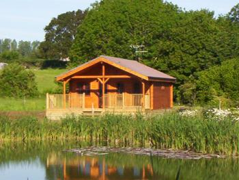 Watermeadow Lakes & Lodges - Willow Lodge