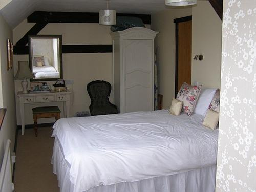 bed and breakfast at the Tithe Barn Cottesmore Oakham,Rutland