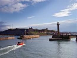 Whitby Pier & Lighthouses