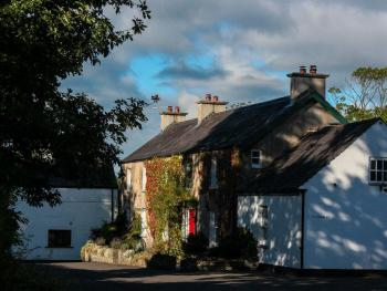Ballylagan Organic Farm Guest House - House Front