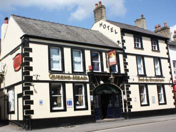 The Queens Head Hotel -
