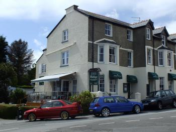 The Moelwyn Hotel & Restaurant -
