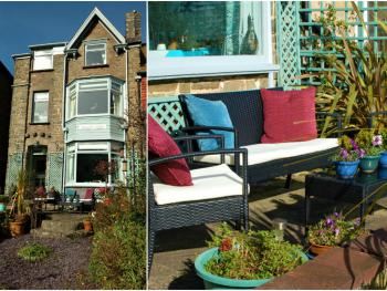 South View Guest House - Sea View House and garden