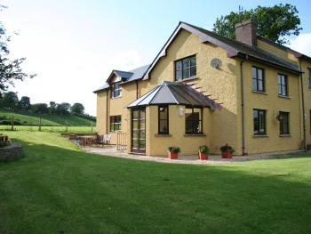 Pwllgwilym Holiday Cottages and B&B - Pwllgwilym B & B
