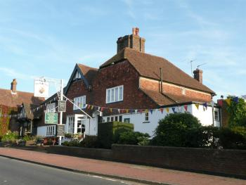 The Bear Inn and Burwash Motel - Main pub view from road