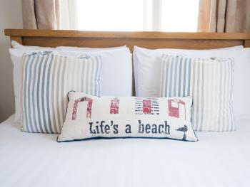 Southern Breeze Lodge - Lifes a beach