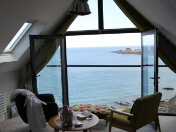 Pebble House - Long Liner Luxury Suite - what a view !!