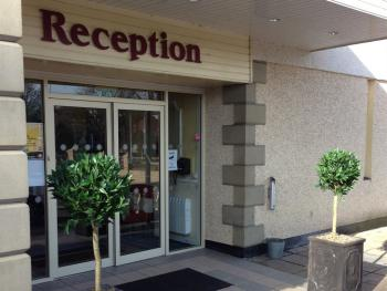 Gleniffer Hotel - Reception Entrance