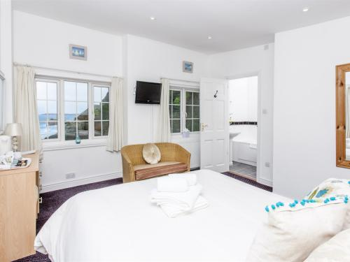 Room 6 - a 5ft bed with the best seaview