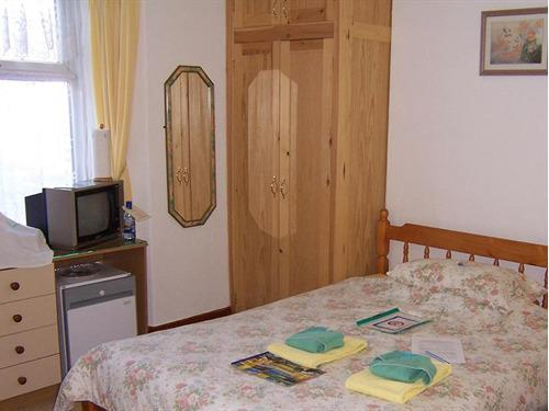 Family En-suite 2 Adults and 1 Children