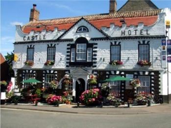 9 Properties In Or Near To West Dereham Norfolk Castle Hotel
