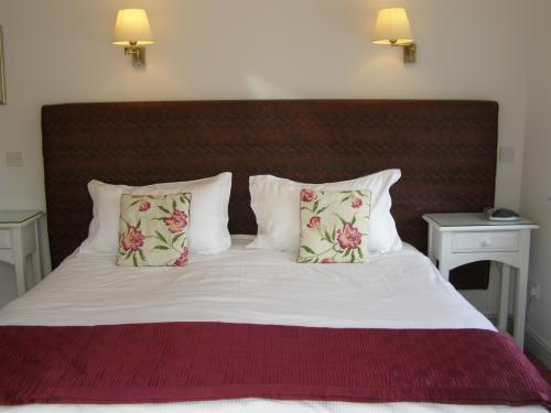 guest room at the Tithe Barn bed and breakfast Cottesmore,Rutland