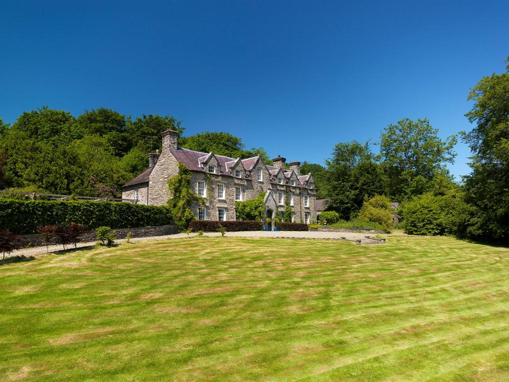 Noyadd Trefawr, with 11 acres of gardens & private woodland to explore.  Bed and breakfast in the Cardigan Bay countryside