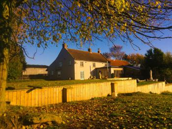 Woundales Farmhouse Bed and Breakfast -