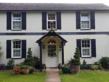 Denbies Farmhouse Accommodation -