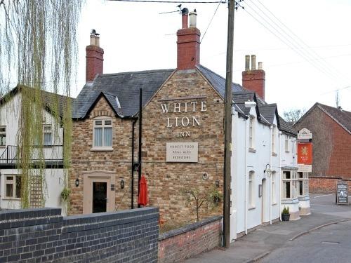 Oakham United Kingdom  city images : The White Lion Inn, Oakham, United Kingdom Toprooms