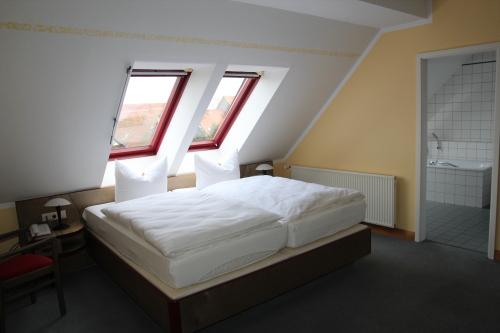 Doppelzimmer-Economy-Eigenes Badezimmer-Stadtblick - Standardpreis