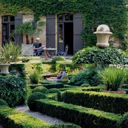 Tranquilles dans le jardin