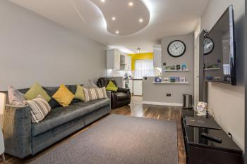 Central Belfast Apartments: Salisbury - 67 Maryville Street - 2 Bedroom