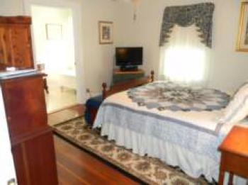 Double room-Ensuite-Standard-The Blue Ridge Room  - Base Rate