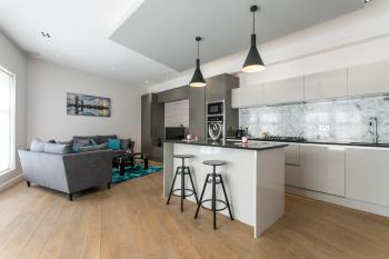2 Bed Penthouse Style House in Camden Town -