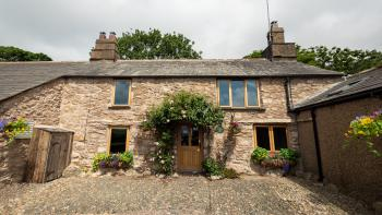 Wayside Cottage, charming old (circa 1637) traditional farmhouse