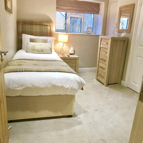 Single room-Ensuite - Base Rate