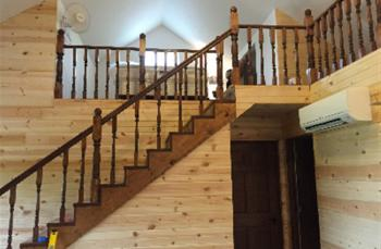 Quail Run Cottage - Stairs to loft