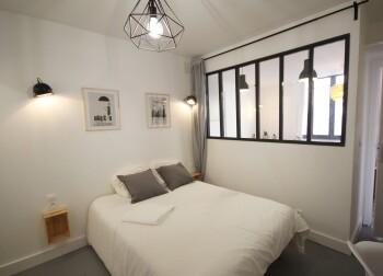 Chambre lit double appartement 4 personnes ROUEN CENTRE