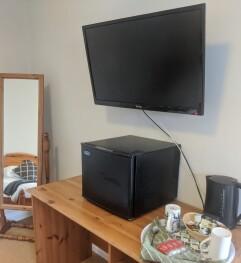 Room 6 Tele
