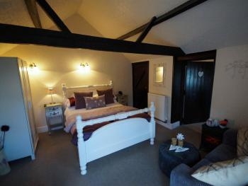 THE LAVENDER little cottage,self catering, cooking facilities