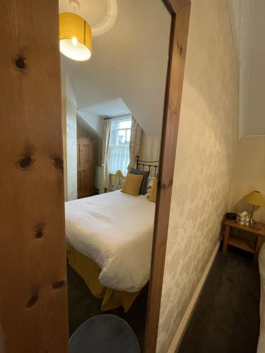 Double room-Ensuite with Shower - Breakfast Included