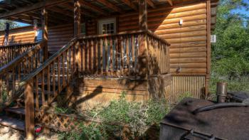 Humming Bird Haven - Front Porch Humming Bird