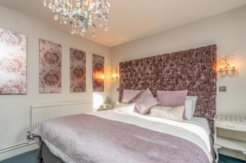 Double room-Superior-Ensuite-Harlequin