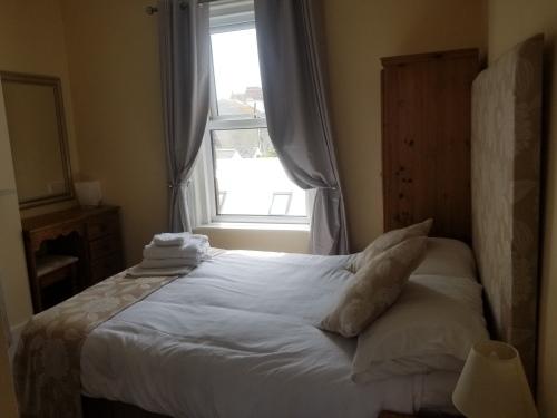 portland third  room onebed apartment ensuite