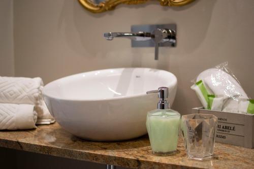Matrimoniale-Standard-Bagno in camera con doccia-Vista strada - Tariffa di base
