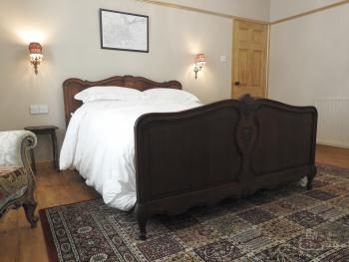 Heatopia Apartment - Heatopia king bedroom