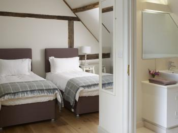 Orchard Cottage-Cottage-Luxury-Ensuite-Garden View - Base Rate