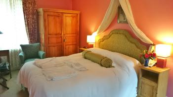 Double room-Deluxe-Ensuite-Cherry Room - Base Rate
